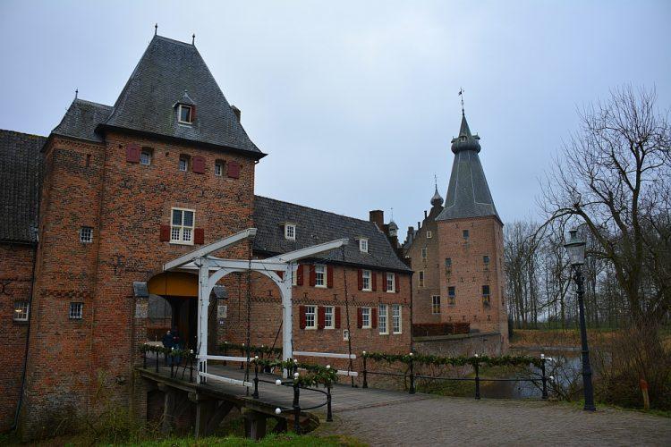 Kasteel Doorwerth voorzijde