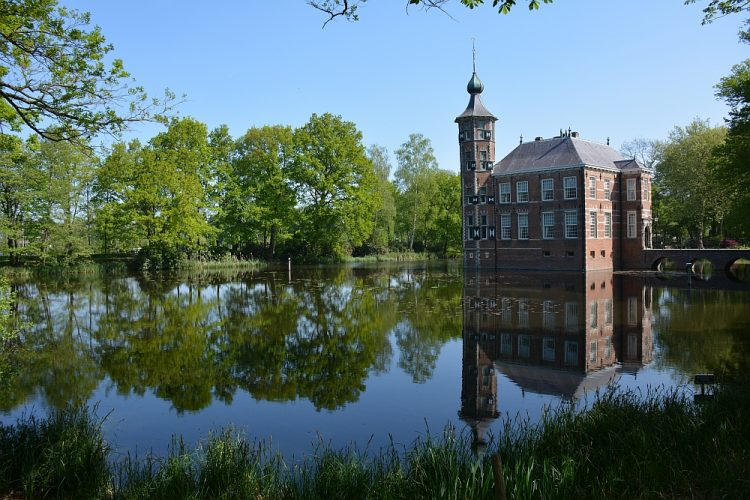 kasteel Bouvigne Breda startpunt van wandelroute Mastbos en Markdal