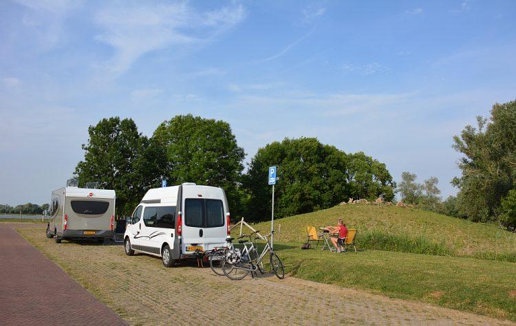 camperplaats Slot Loevestein Myfootprints