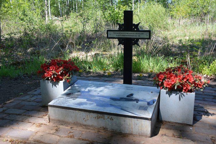 gedenkplek tweede wereldoorlog in Weerterbos