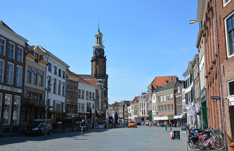 binnenstad Zutphen met Sint Walburgiskerk