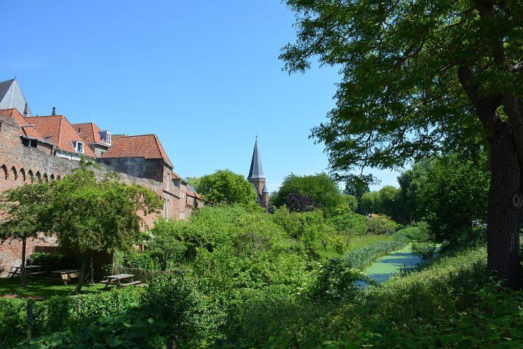 stadswandeling Zutphen oude stadsmuur aan de Martinetstraat