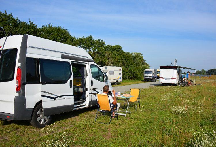 gratis camperplaats aan de Elbe Duitsland