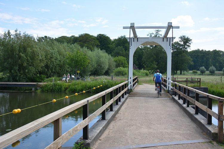 fietsen in de Achterhoek brug over de Berkel