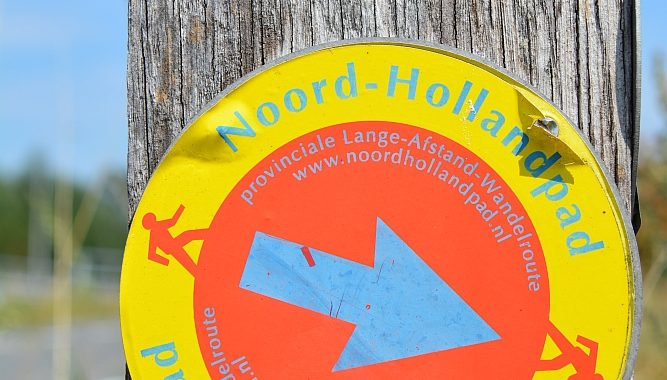routebordje Noord-Hollandpad bij Kolhorn
