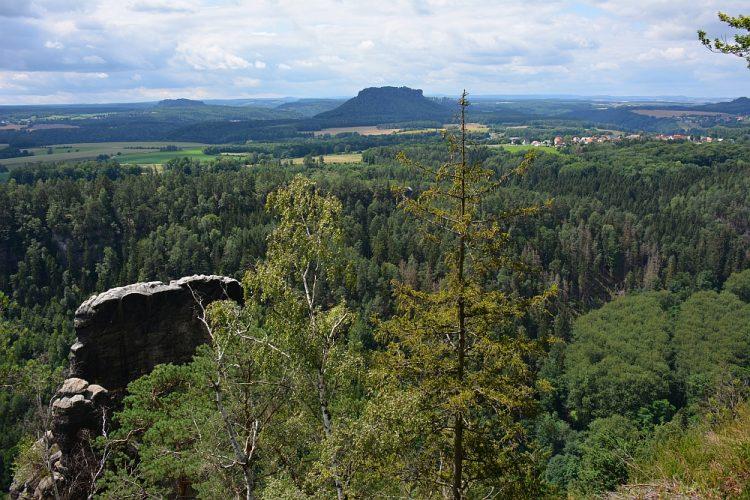 uitzicht op Polenztal vanaf Brandaussicht 'Balkon der Sächsischen Schweiz