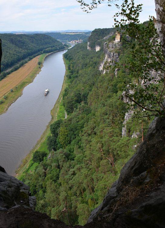 vergezicht over de Elbe vanaf de Malerweg Sächsische Schweiz