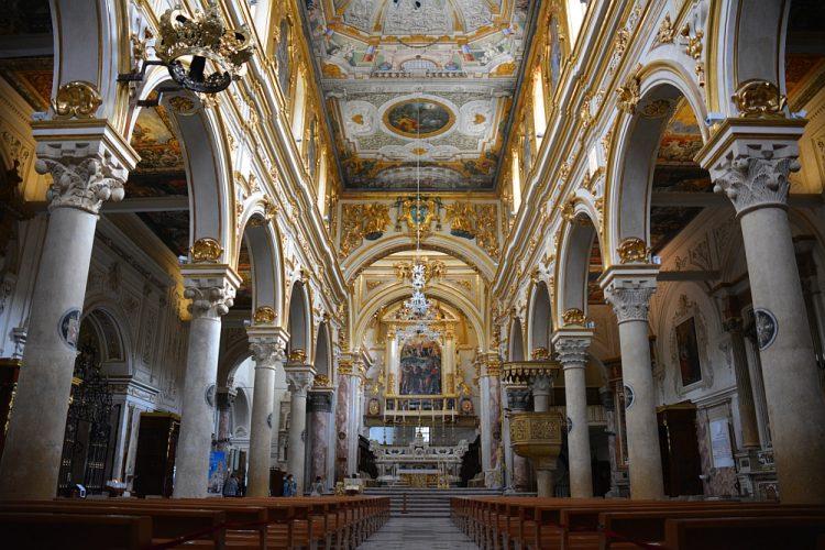 interieur kathedraal van Matera in Puglia