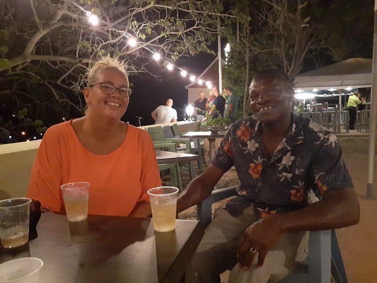Evelyn en Orlando wonen op de Nederlandse Antillen