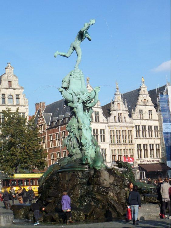 standbeeld Brabo Grote Markt Antwerpen België