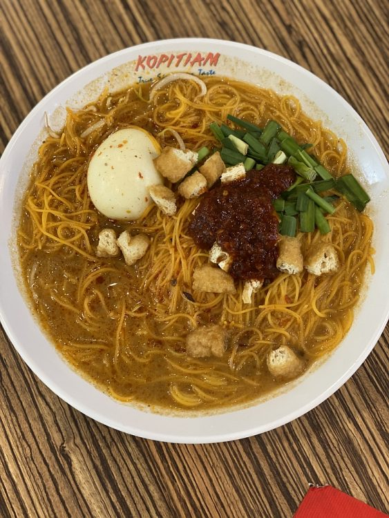 Laksa soep uit eten in Singapore