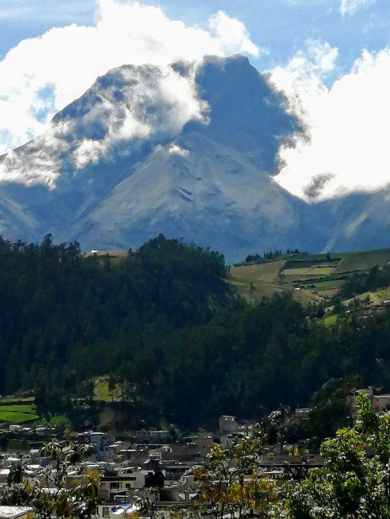 Otavalo en de Imbura vulkaan