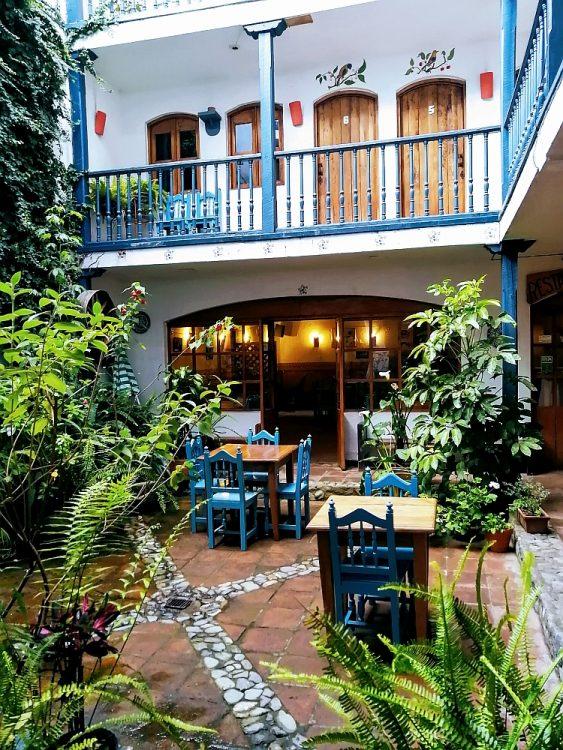 patio hotel Doña Esther Ecuador