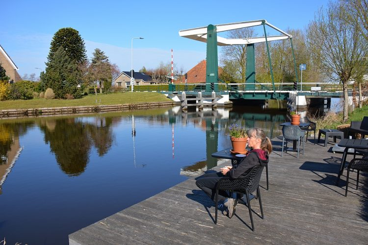 terras van B&B Uitgerust Voor Zaken Heerenveen