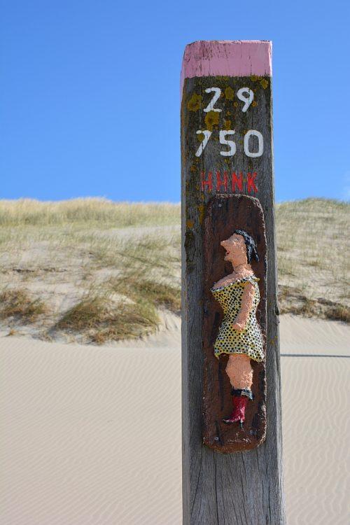 Strandpaal op strand bij Schoorl