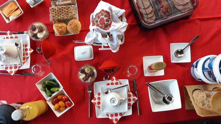 luxe ontbijt B&B Huize Mesch