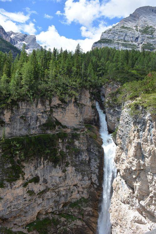 Cascates di Fanes bij Cortina d 'Ampezzo