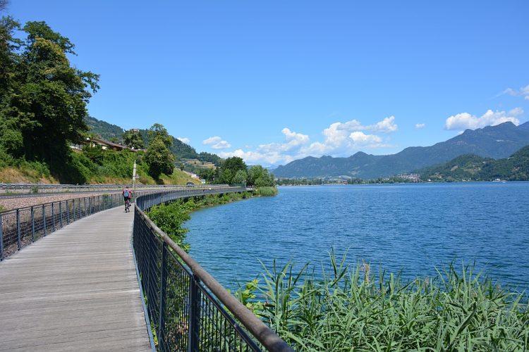fietspad langs het meer van Caldonazzo