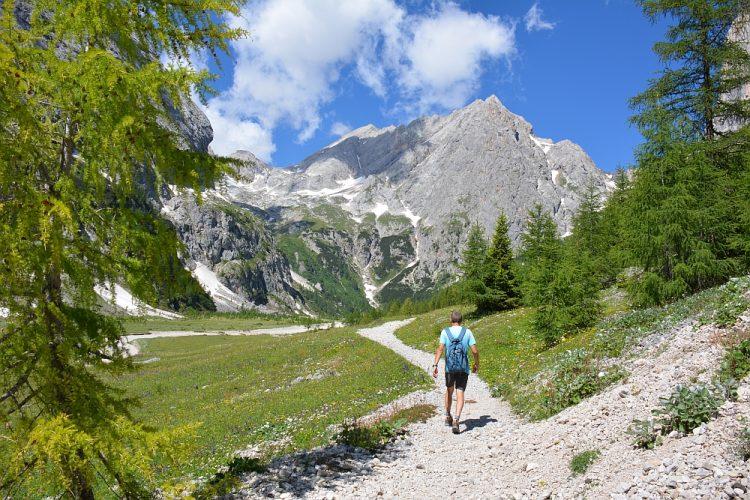 wandelen door vallei van Ombretta naar Refugio Fallier
