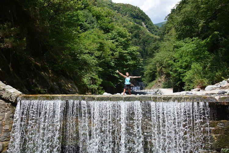 wandelen en zwemmen watervallen Pozze di Domaso, Comomeer Roadtrip Noord Italië