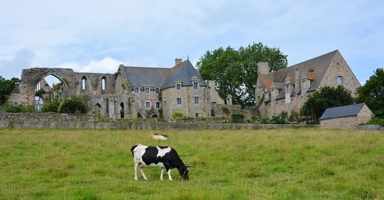 wandelen rond abdij de beauport Bretagne Frankrijk